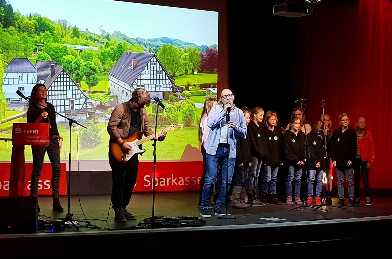 Erfolgreiche Premiere des Mitmachfilms über die Gemeinde Finnentrop